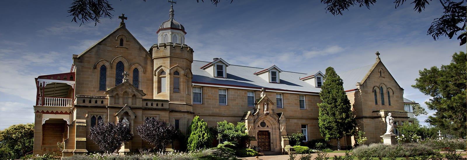 warwick manor